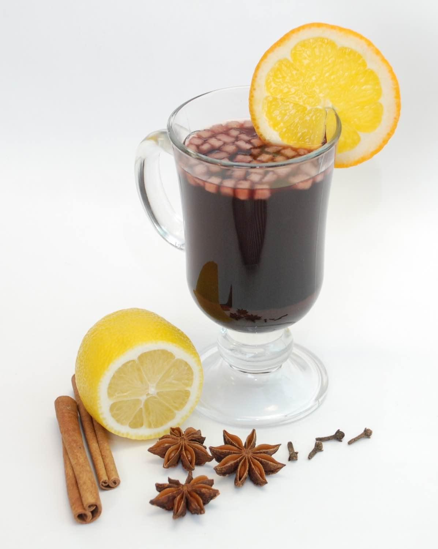 Согревающие напитки с корицей: с яблоком, молоком, имбирем