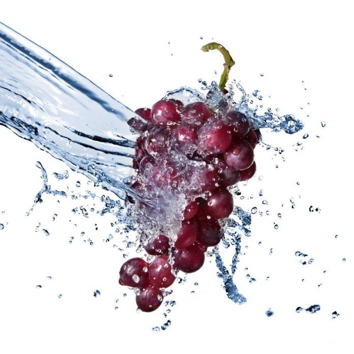 Полив виноградной лозы