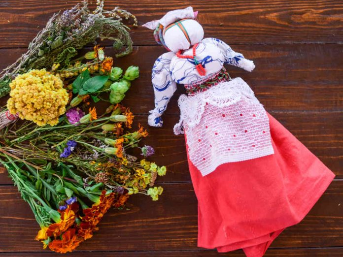 Мотанка - кукла-оберег, которая передается из поколения в поколение