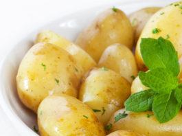 Раз картопля, два картопля. І ще приправ трошки...